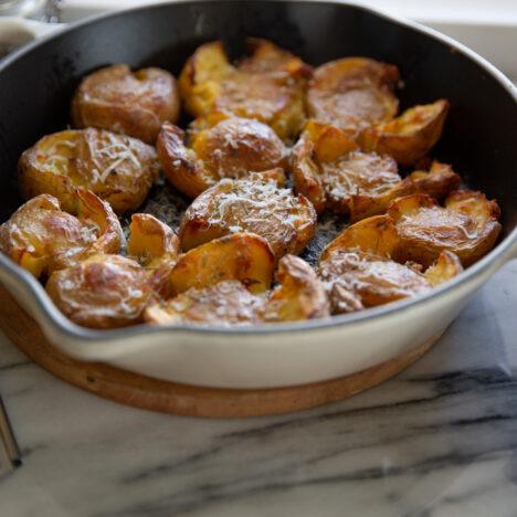 Jag gör fikabröd med fikon och valnötter till årets första adventsfika.